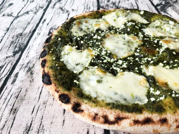 【口コミレビュー】PIZZA REVO(ピザレボ)の冷凍ピザ「モッツァレラとリコッタのバジルソース」口コミも