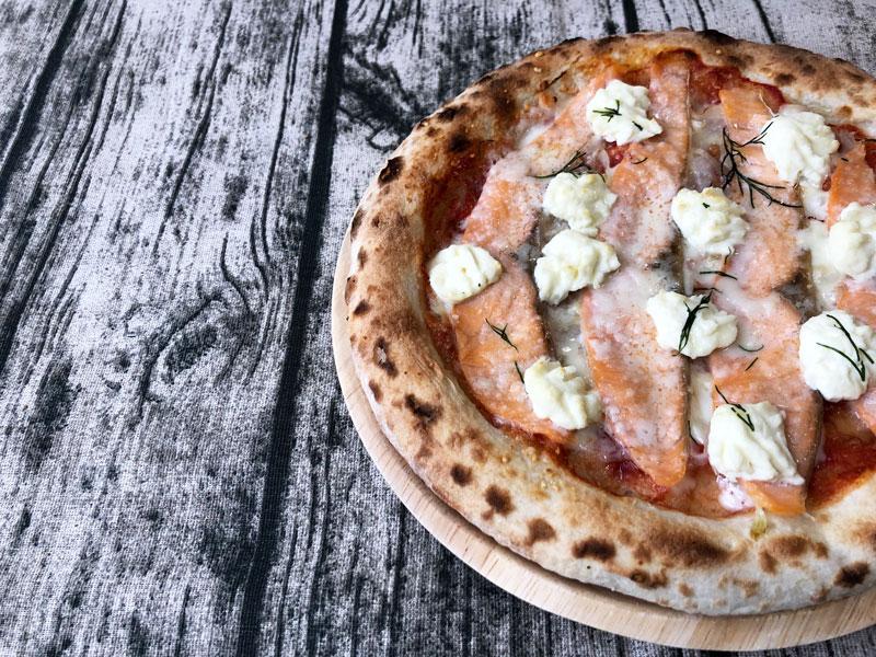 森山ナポリの「スモークサーモンとクリームチーズ」