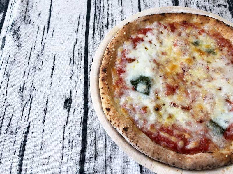 セブンイレブンの冷凍ピザ「金のマルゲリータ」