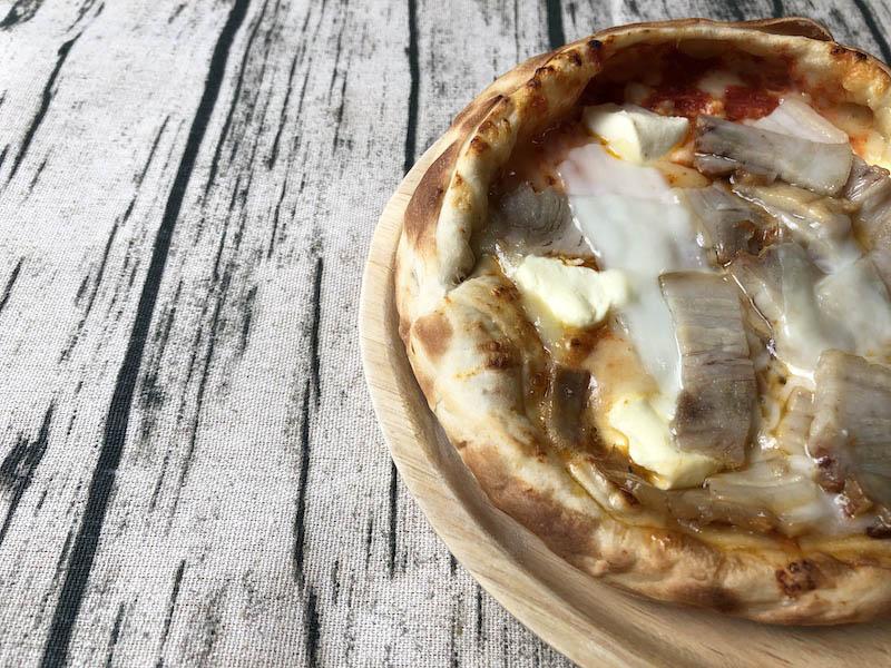 「森のピザ工房ルヴォワール」の「蔵王のお釜ピザ 自家製ベーコン」
