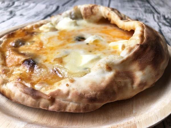 森のピザ工房ルヴォワール「蔵王のお釜ピザ」レギュラートッピング