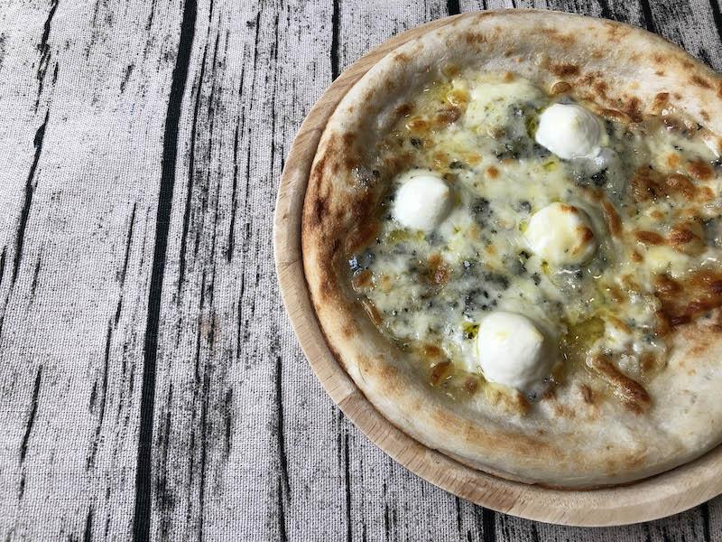 トロナジャパン「本当に旨いピッツァが食べたい。」シリーズの「5種のチーズ」